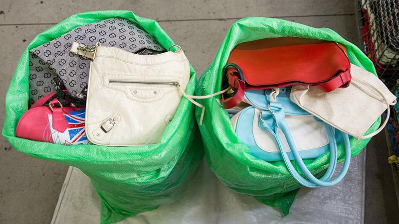 Bulk used clothes, Shoes, Handbags, Belts, Plush Toys, Pillows